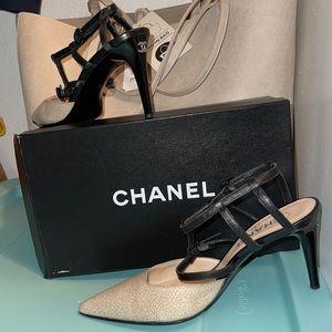 ⚜️ CHANEL Heels ⚜️